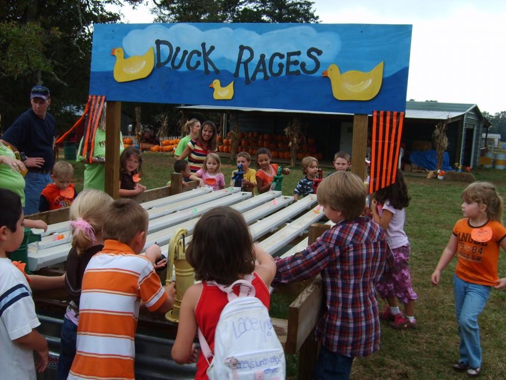 School Children At Duck Races